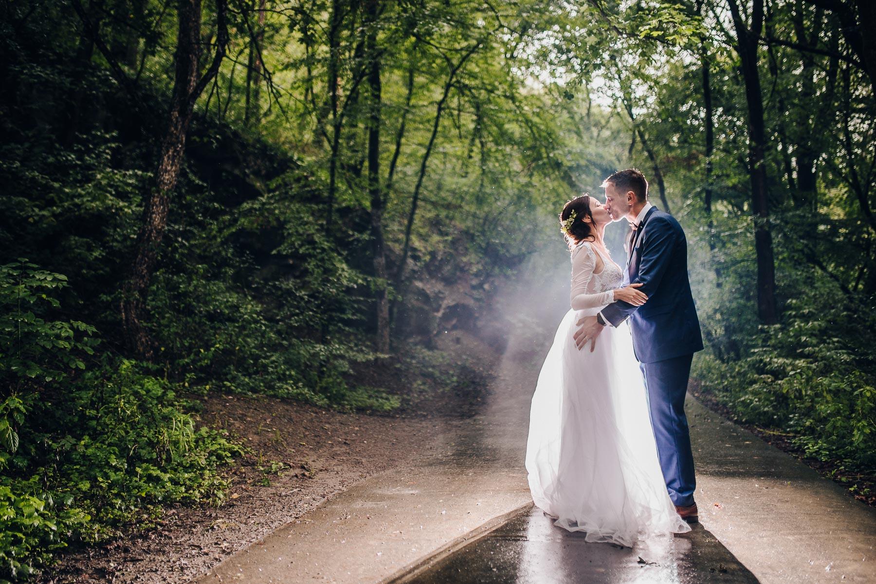 svatba Kadlcův Mlýn - svatební fotograf Brno