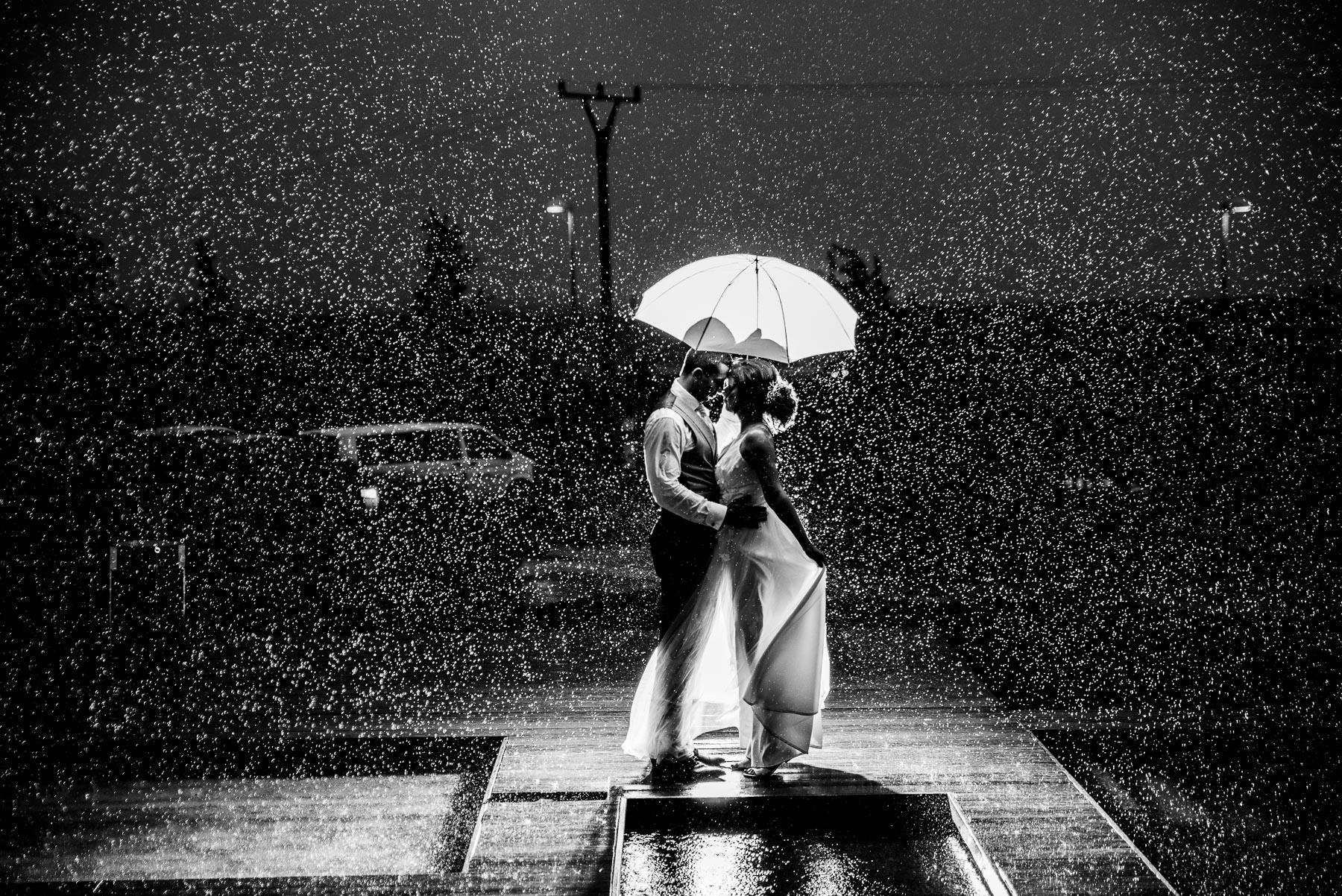 Svatba v hotelu vinice Hnanice v dešti