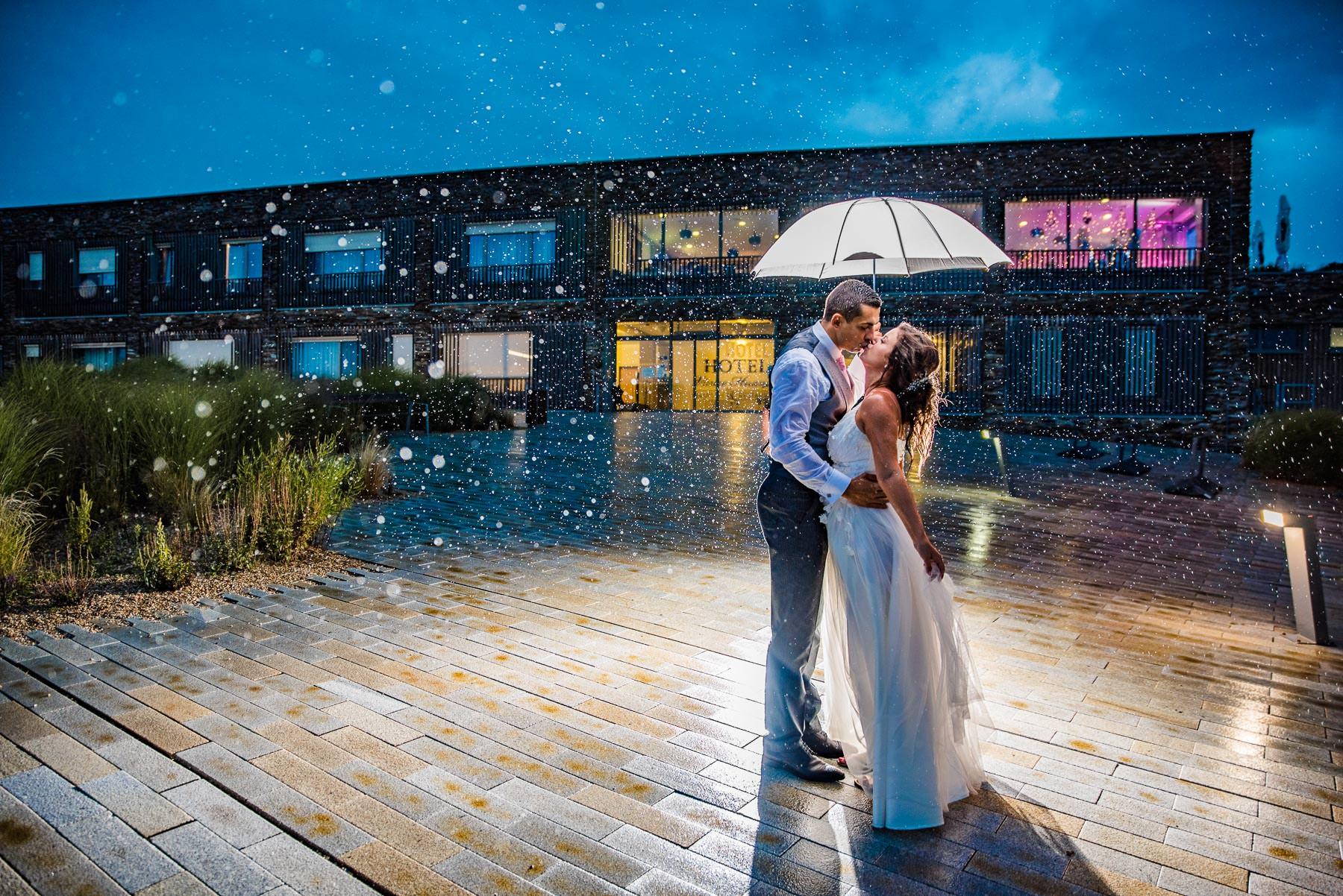 Svatba v hotelu Vinice Hnanice - svatební fotograf Vinice Hnanice