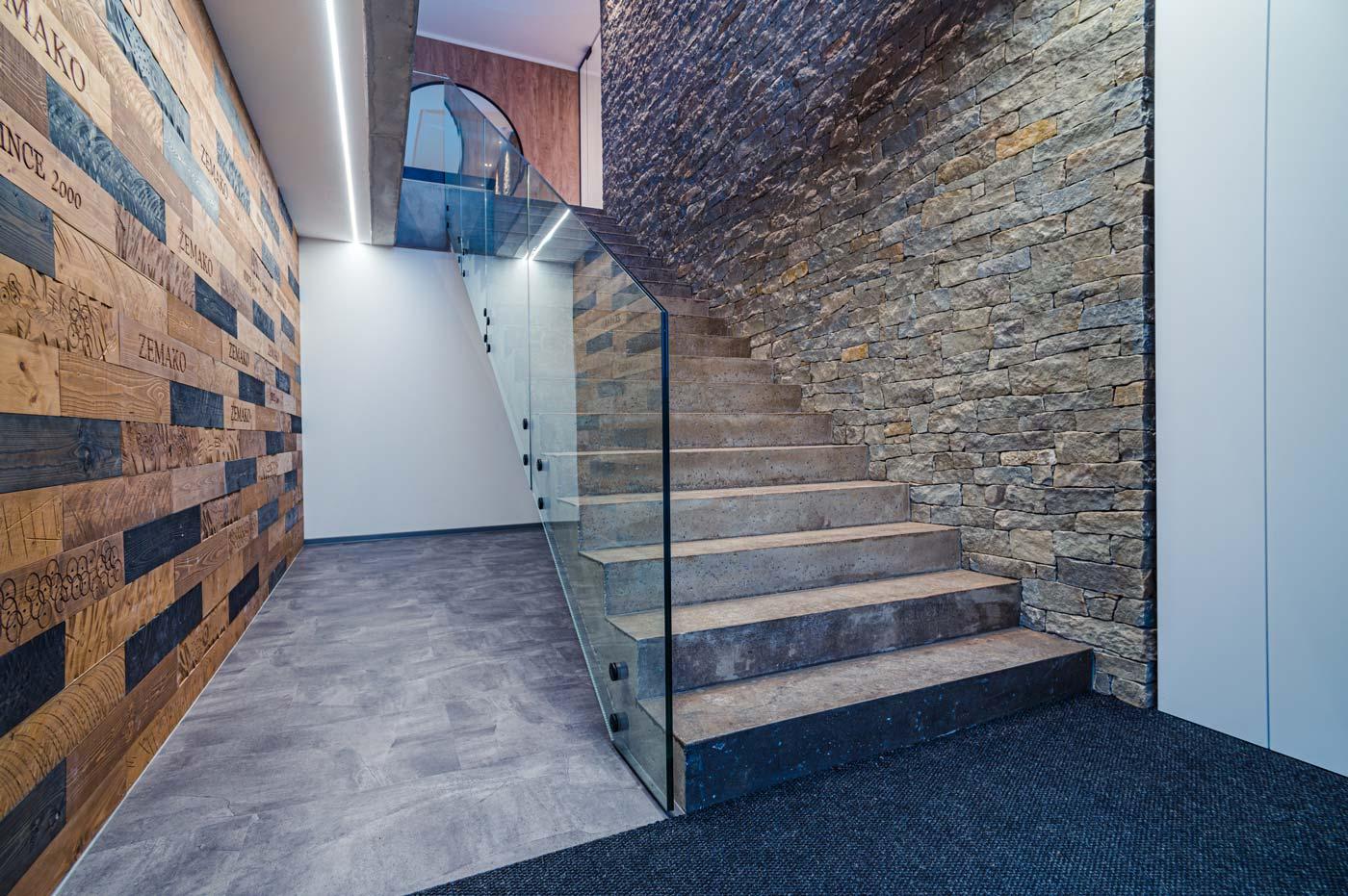 fotograf interiéru schodiště